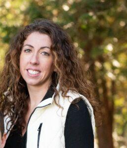 Nicole Williams - Oak Meadow Science Faculty